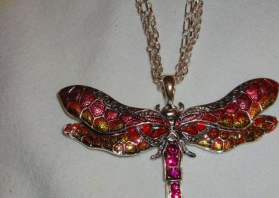 Dragonfly motif necklace