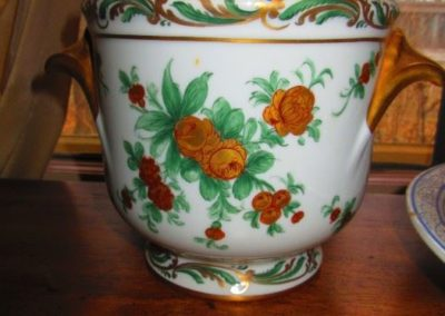 French cache pot