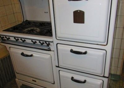 Vintage Magic chef stove in working condition