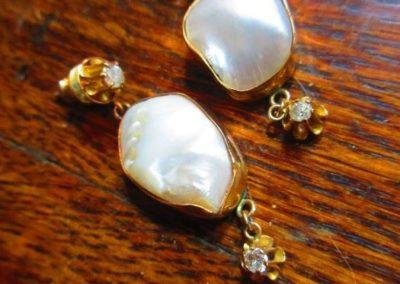 Pearl, diamond and gold earrings