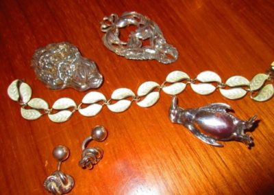 Group of silver jewels