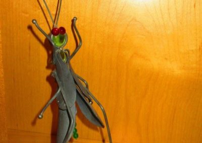 Iron praying mantis