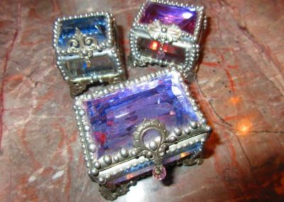 Artisian jewel top boxes