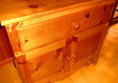 Pine cabinet with one drawer