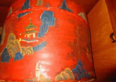 19th century Asian lacquered hat box