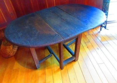 A wonderful example of an early 18th century gateleg table
